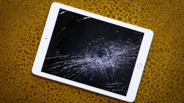 broken-screen-ipad